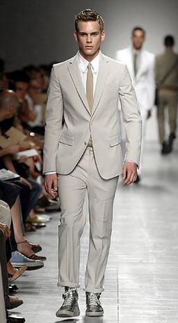 Весенний деловой гардероб: мужские костюмы.